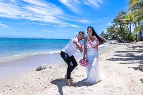 Wedding-Picture-at-Kahala-Beach-1A-348.jpg