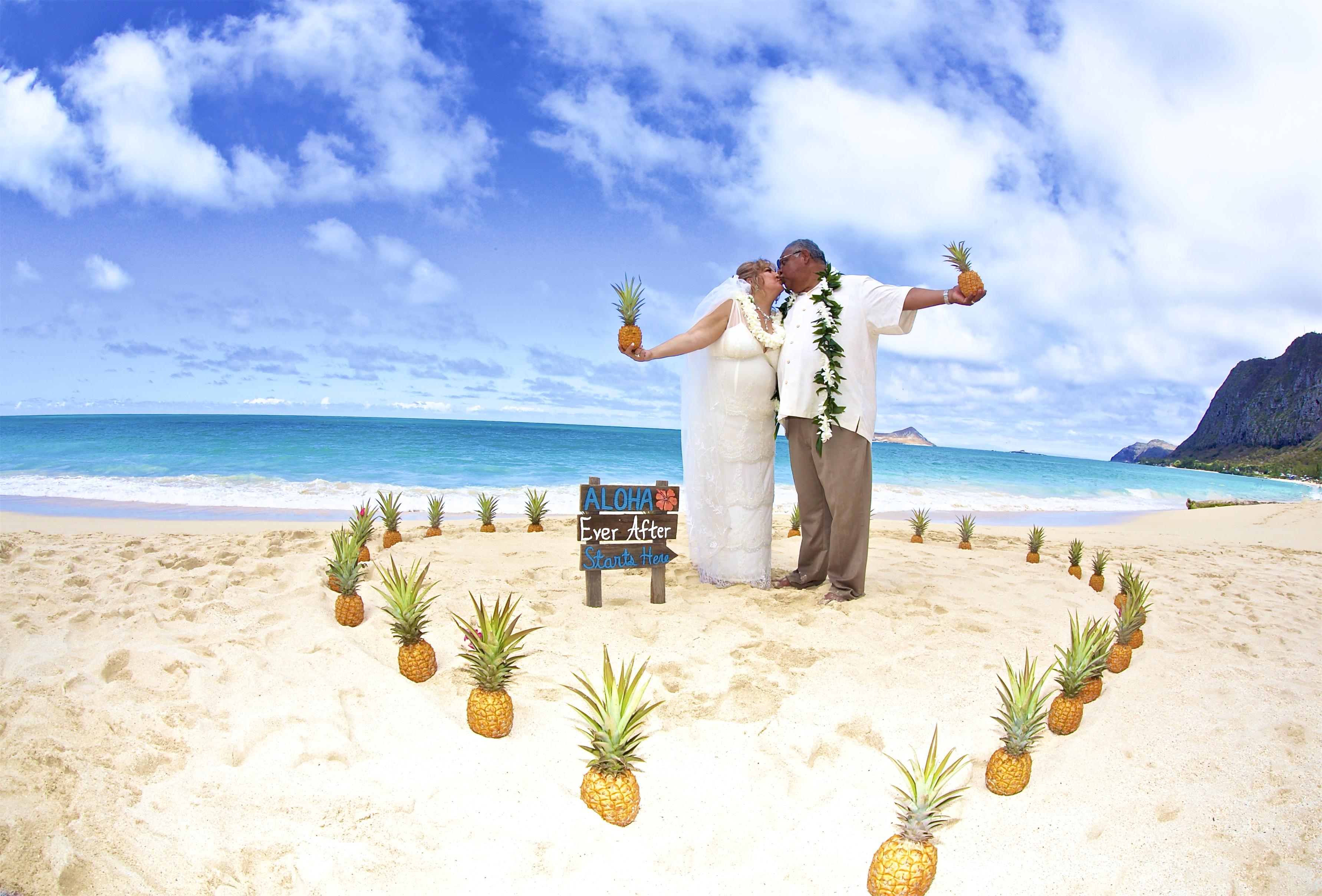 Hawaii weddings, elopements, and Hawaii vow renewals -6