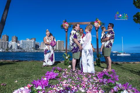 Vowrenewal-magicIsland-Hawaii-4-8.jpg