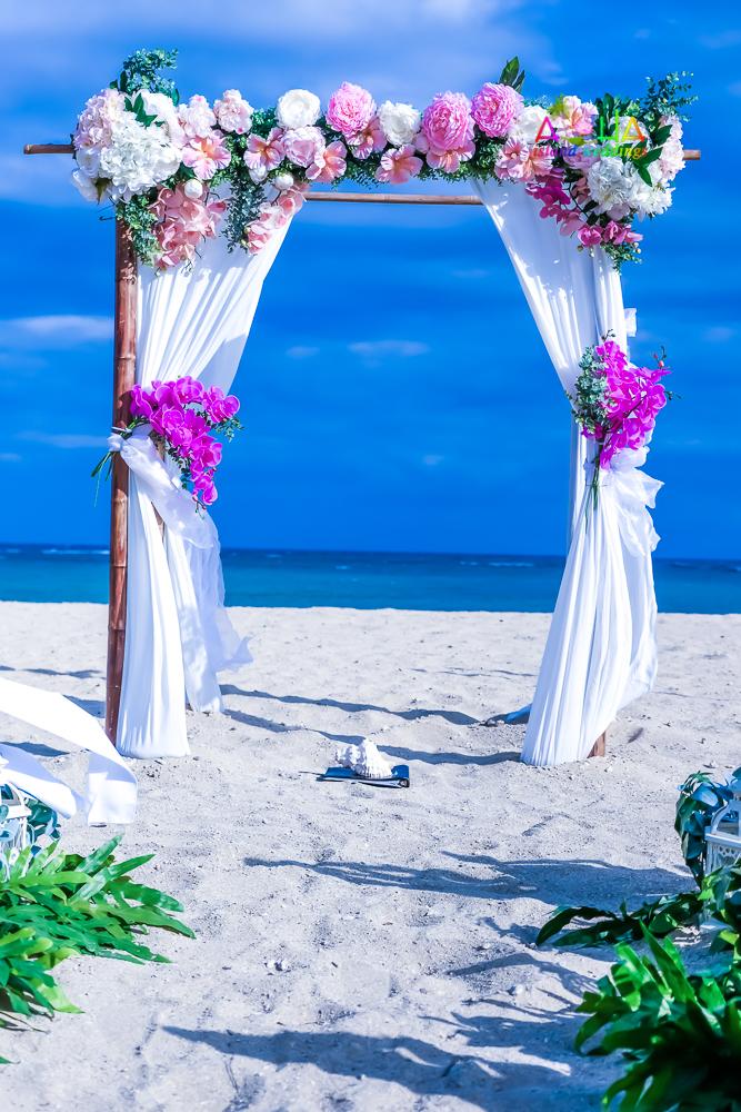 Waialae beach wedding-13