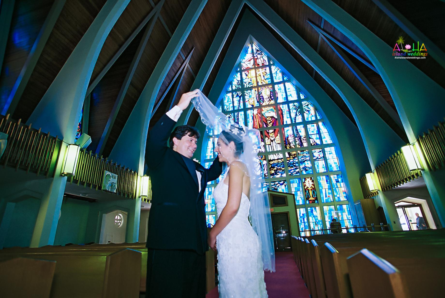 Hawaiian Church Wedding on Oahu-20