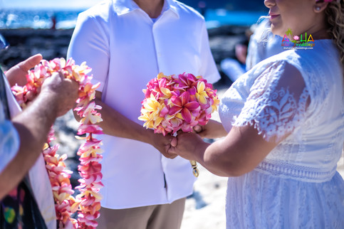 Vowrenewal-wedding-in-Hawaii-1-32.jpg