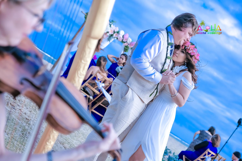 Waialae beach wedding-47