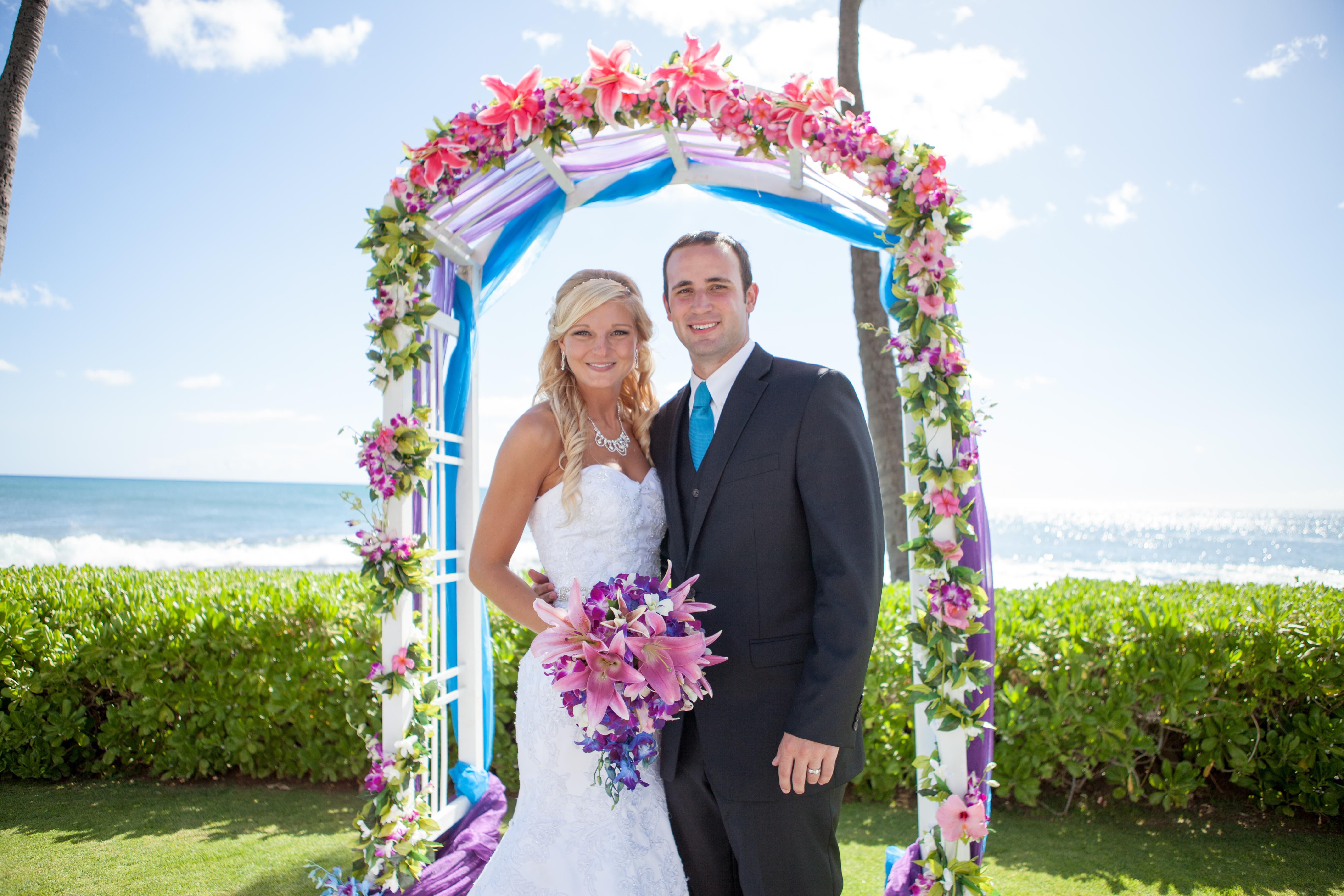 Hawaii wedding paradise cove 11