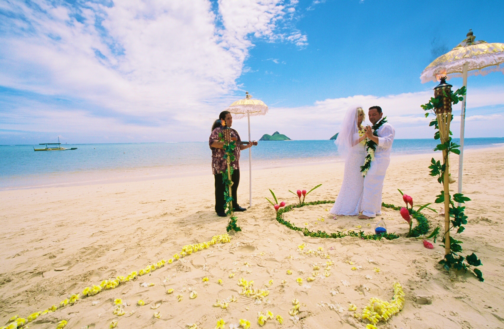 Alohaislandweddings- Lanikai wedding Picture -8