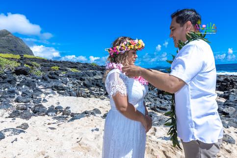 Vowrenewal-wedding-in-Hawaii-2-36.jpg