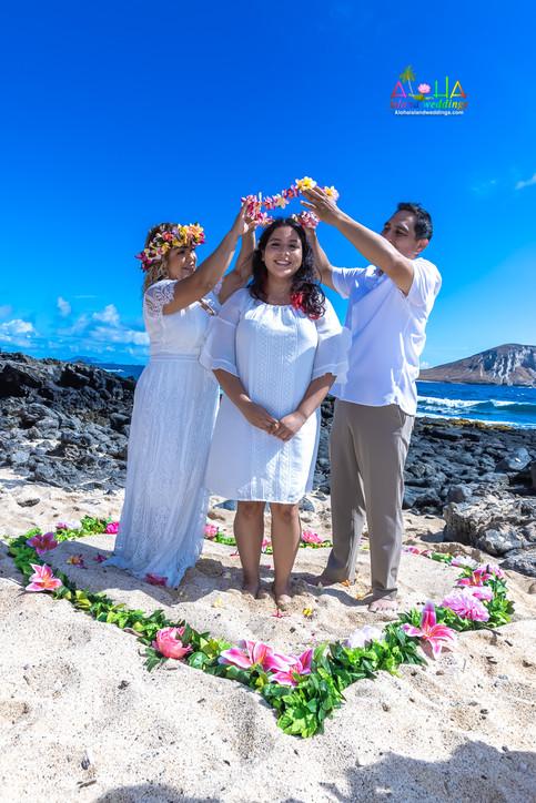 Vowrenewal-wedding-in-Hawaii-2-32.jpg
