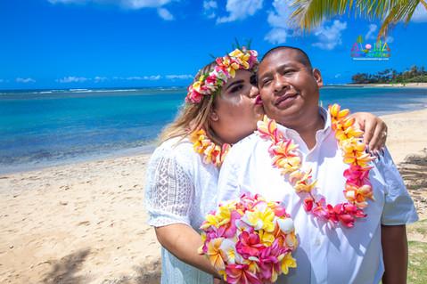 Kahala-beach-in-Hawaii-wedding-1-A-356.jpg