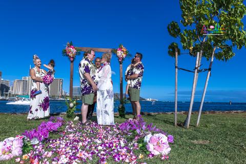 Vowrenewal-magicIsland-Hawaii-4-7.jpg