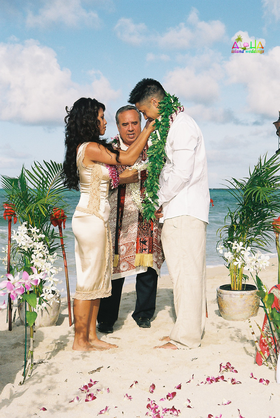 Beach wedding in Kailua-27