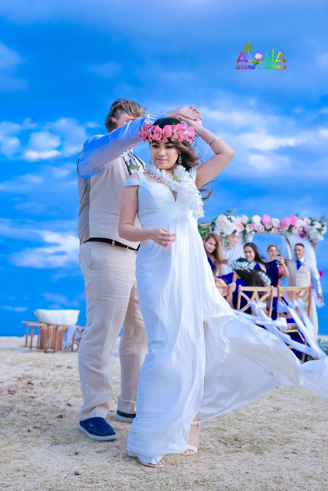 Waialae beach wedding-48