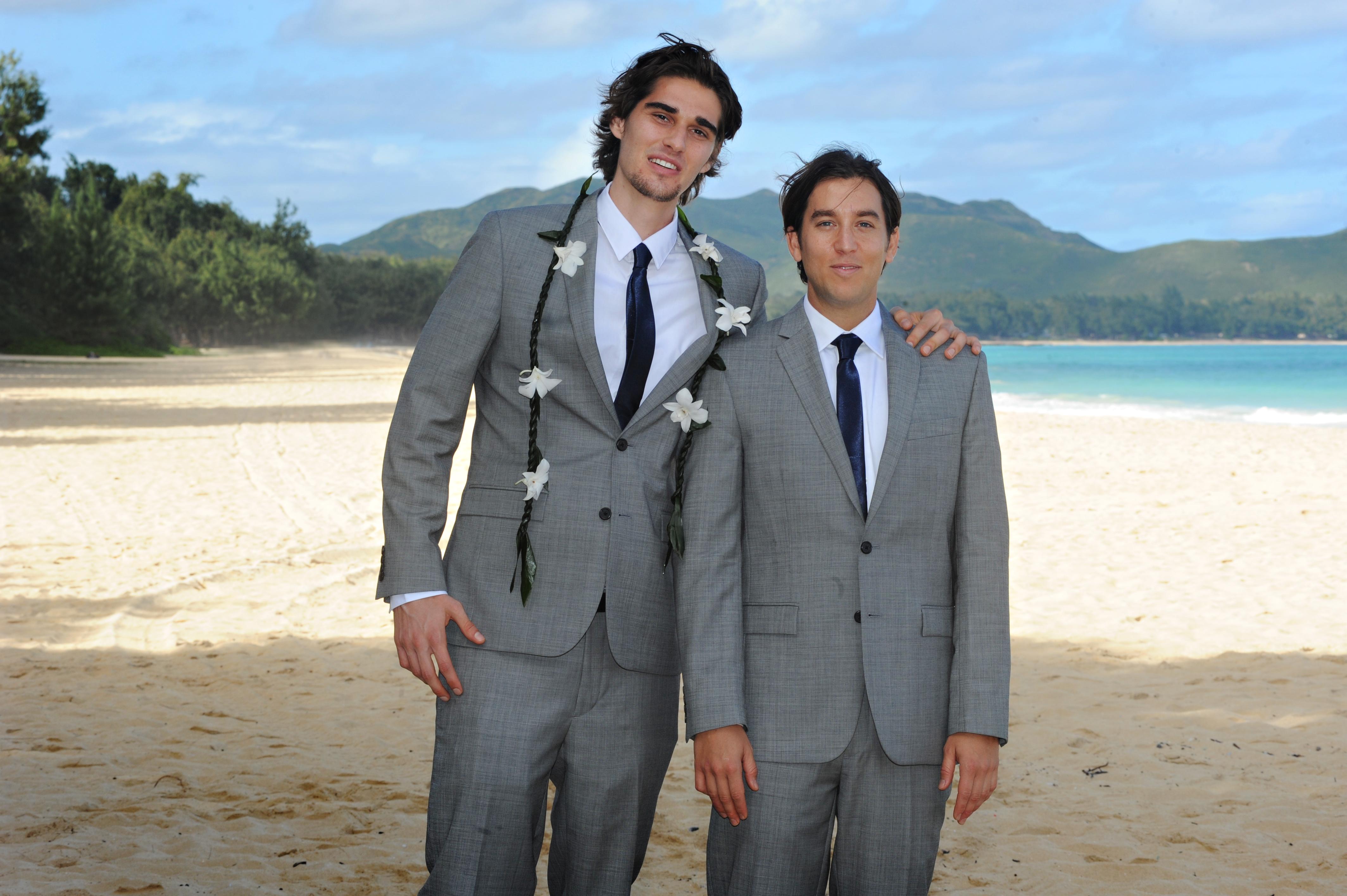 wedding In Hawaii -Bride -maids-9