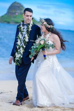 Honolulu-wedding-G&S-wedding-romance-9.j