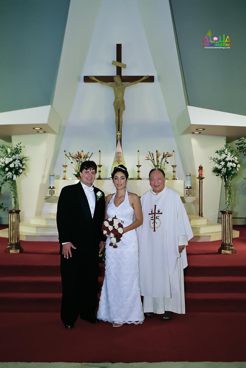 Hawaiian Church Wedding on Oahu-41