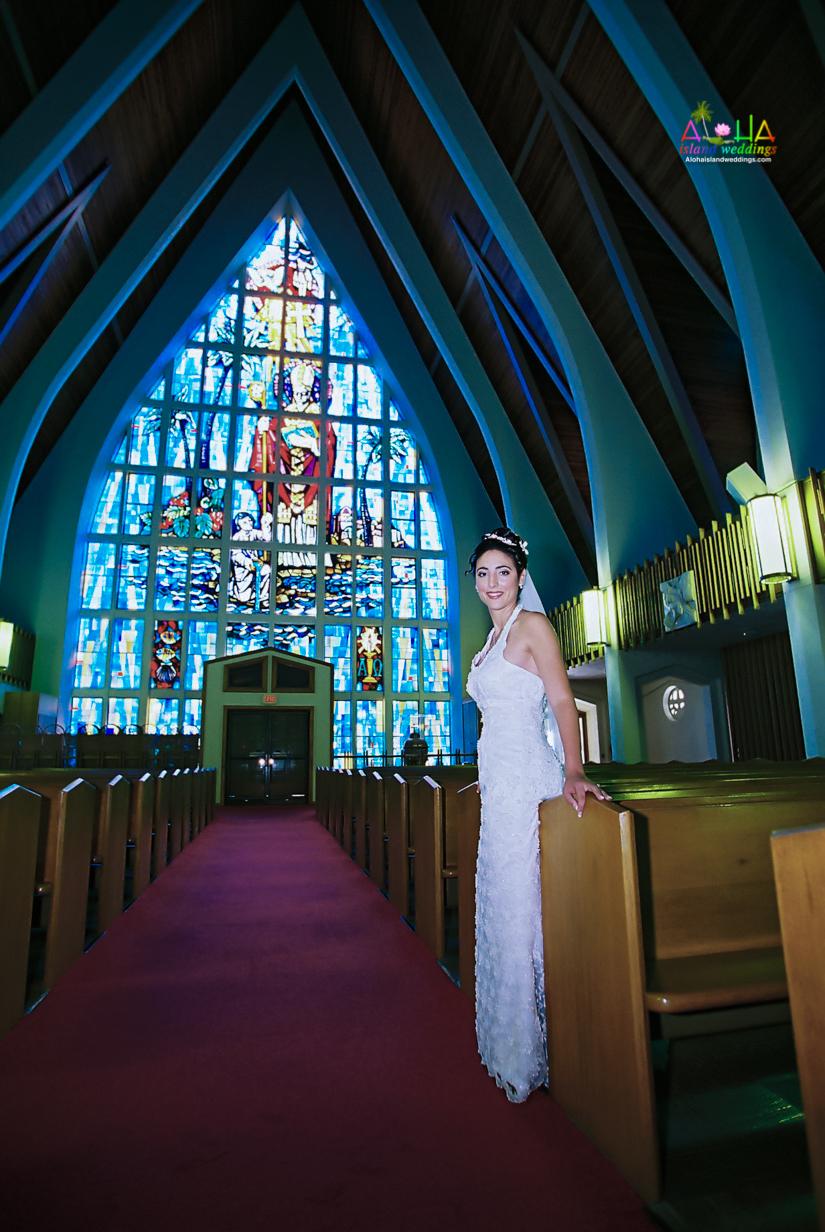 Hawaiian Church Wedding on Oahu-21