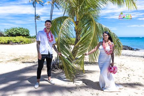 Wedding-Picture-at-Kahala-Beach-1A-451.jpg