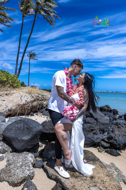 Wedding-Picture-at-Kahala-Beach-1A-414.jpg