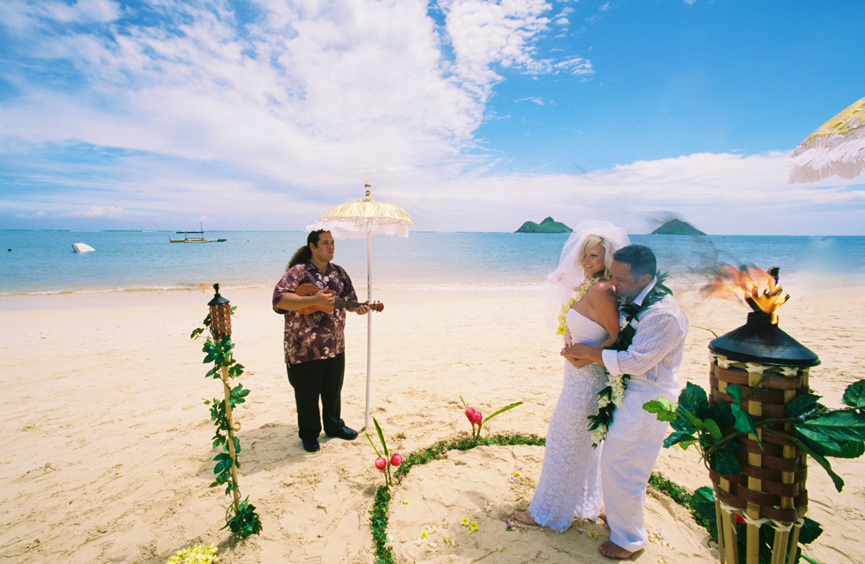 Alohaislandweddings- Lanikai wedding Picture -9