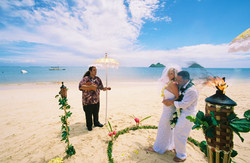 Alohaislandweddings- Lanikai wedding Picture -9