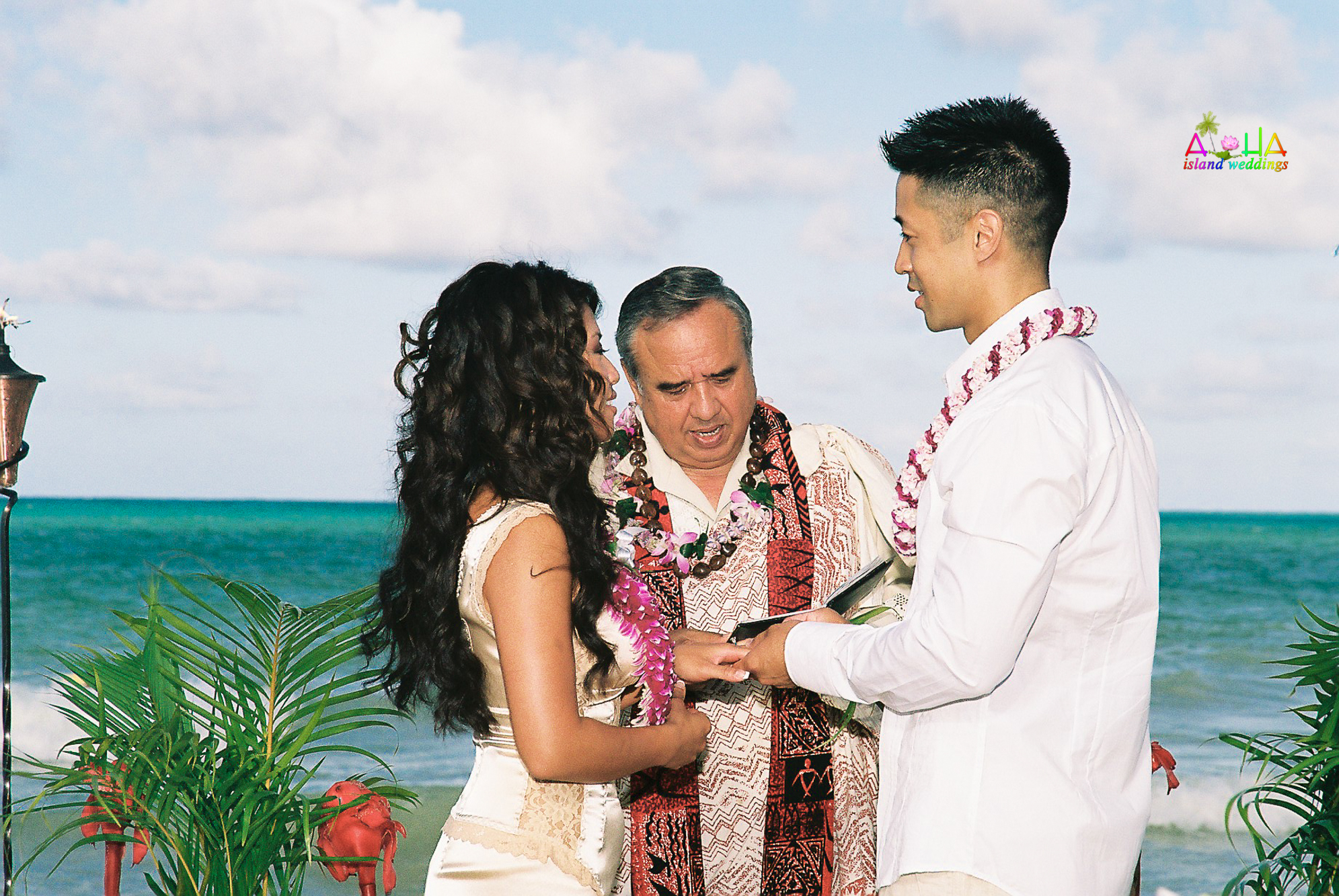 Beach wedding in Kailua-35