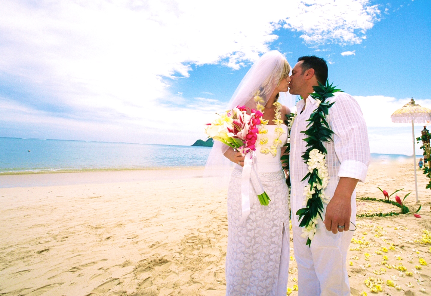 Alohaislandweddings- Lanikai wedding Picture -0
