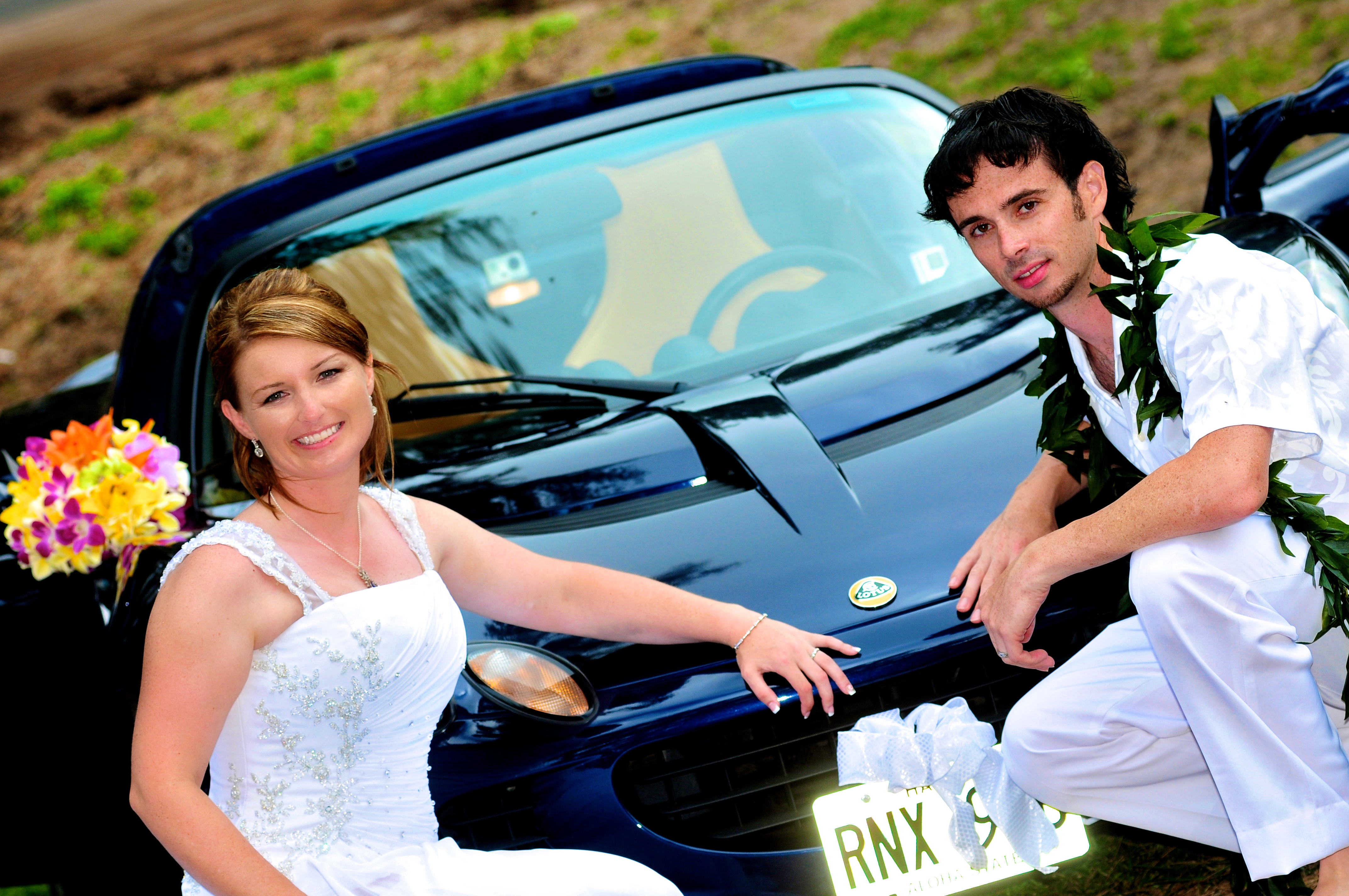 alohaislandweddings- Lotus car -30