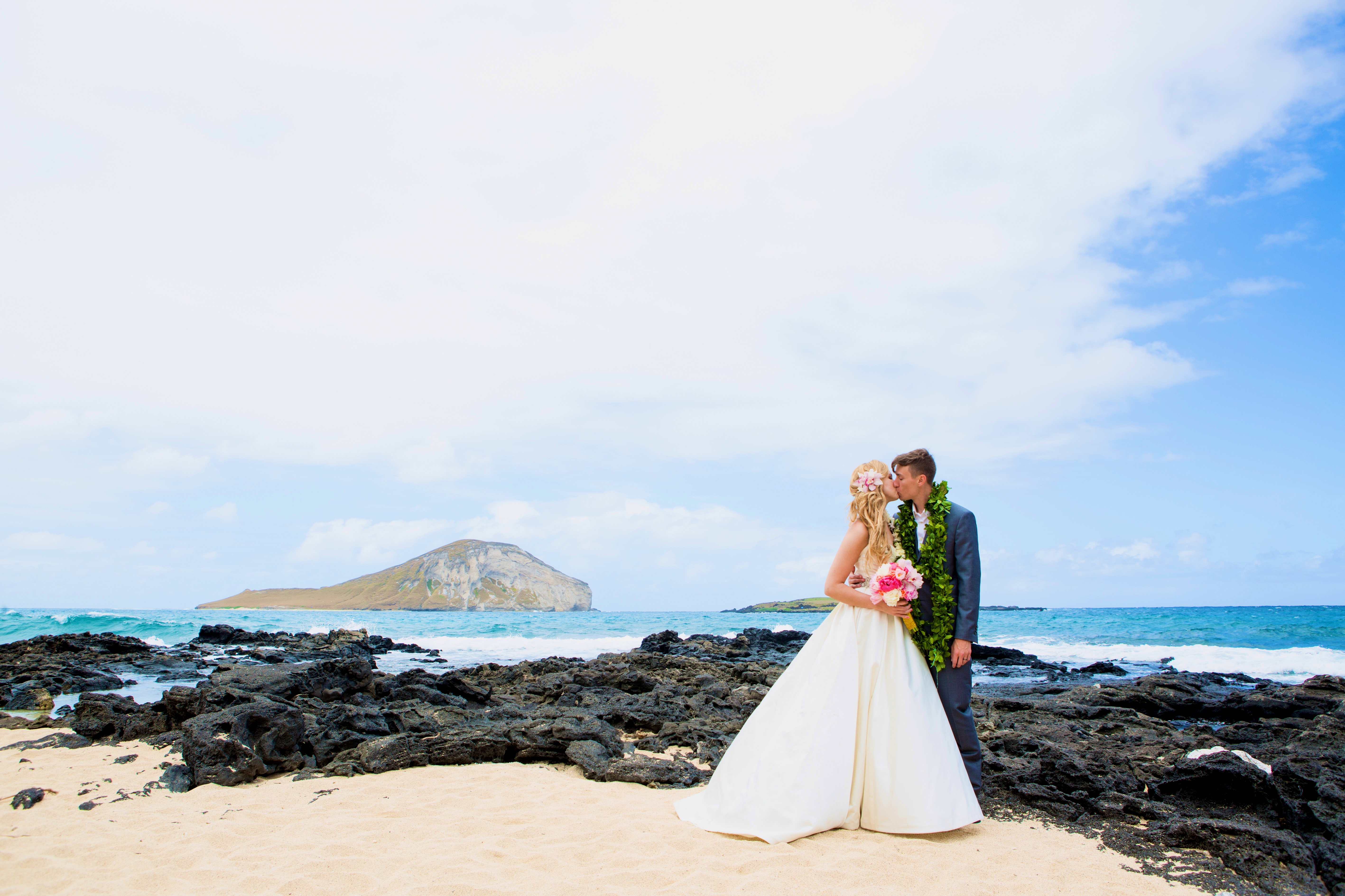 Hawaiian Wedding Pictre Romance -2