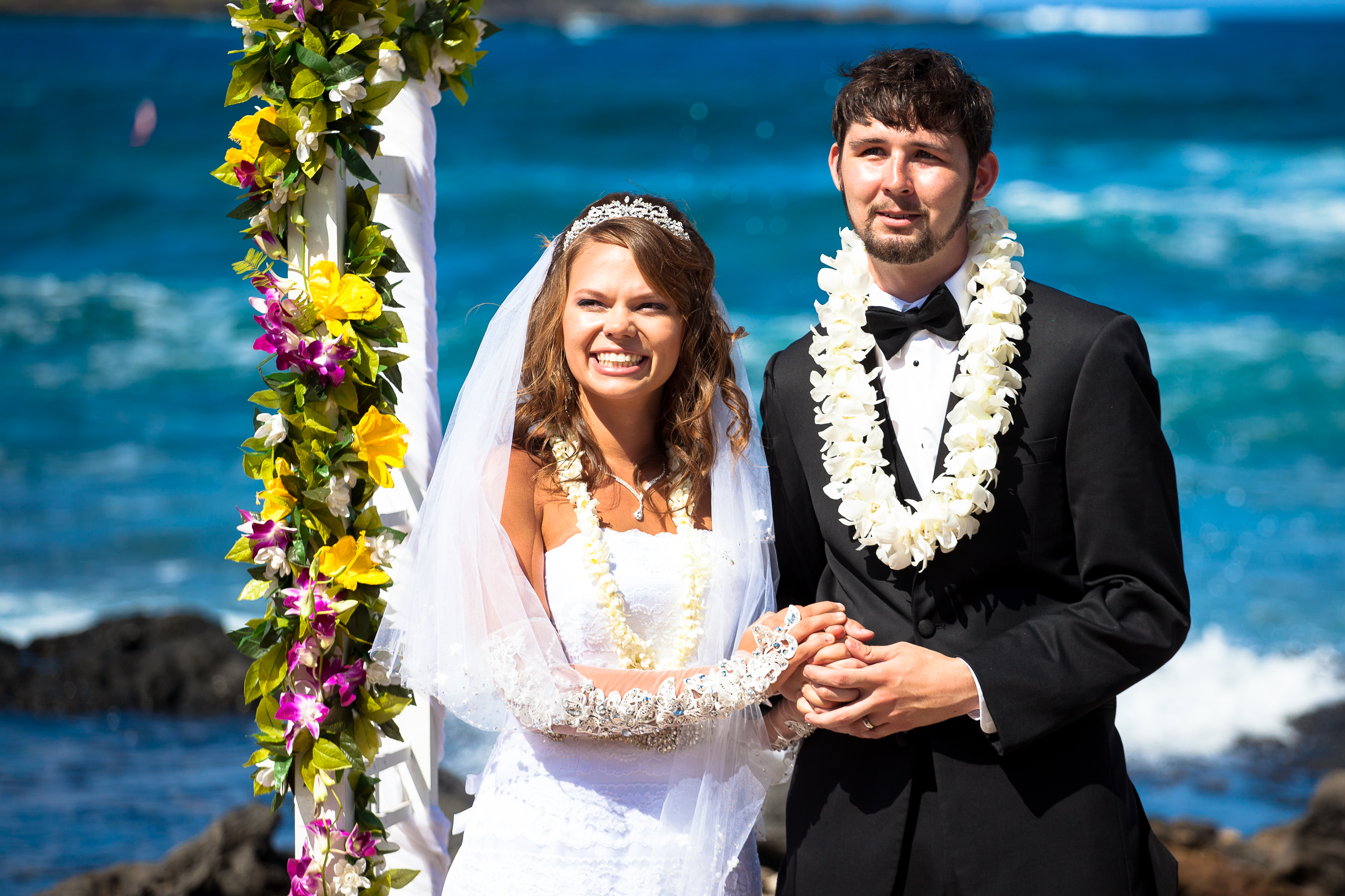Hawaii Wedding Dove Release by alohaislandwedding.com -15