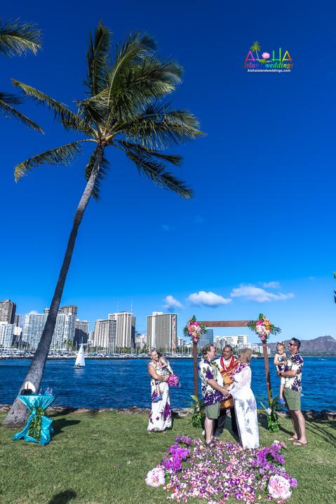Vowrenewal-magicIsland-Hawaii-4-4.jpg