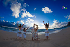 Sunrise-wedding-in-Hawaii-12.jpg
