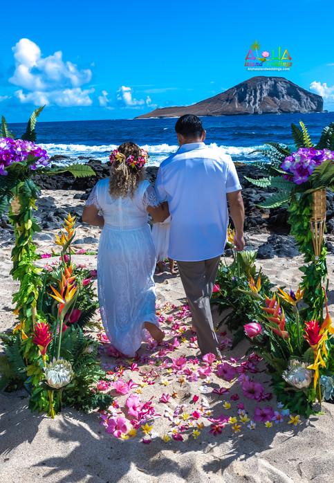 Vowrenewal-wedding-in-Hawaii-2-26.jpg