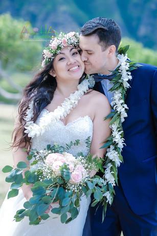 Honolulu-wedding-G&S-wedding-romance-5.j