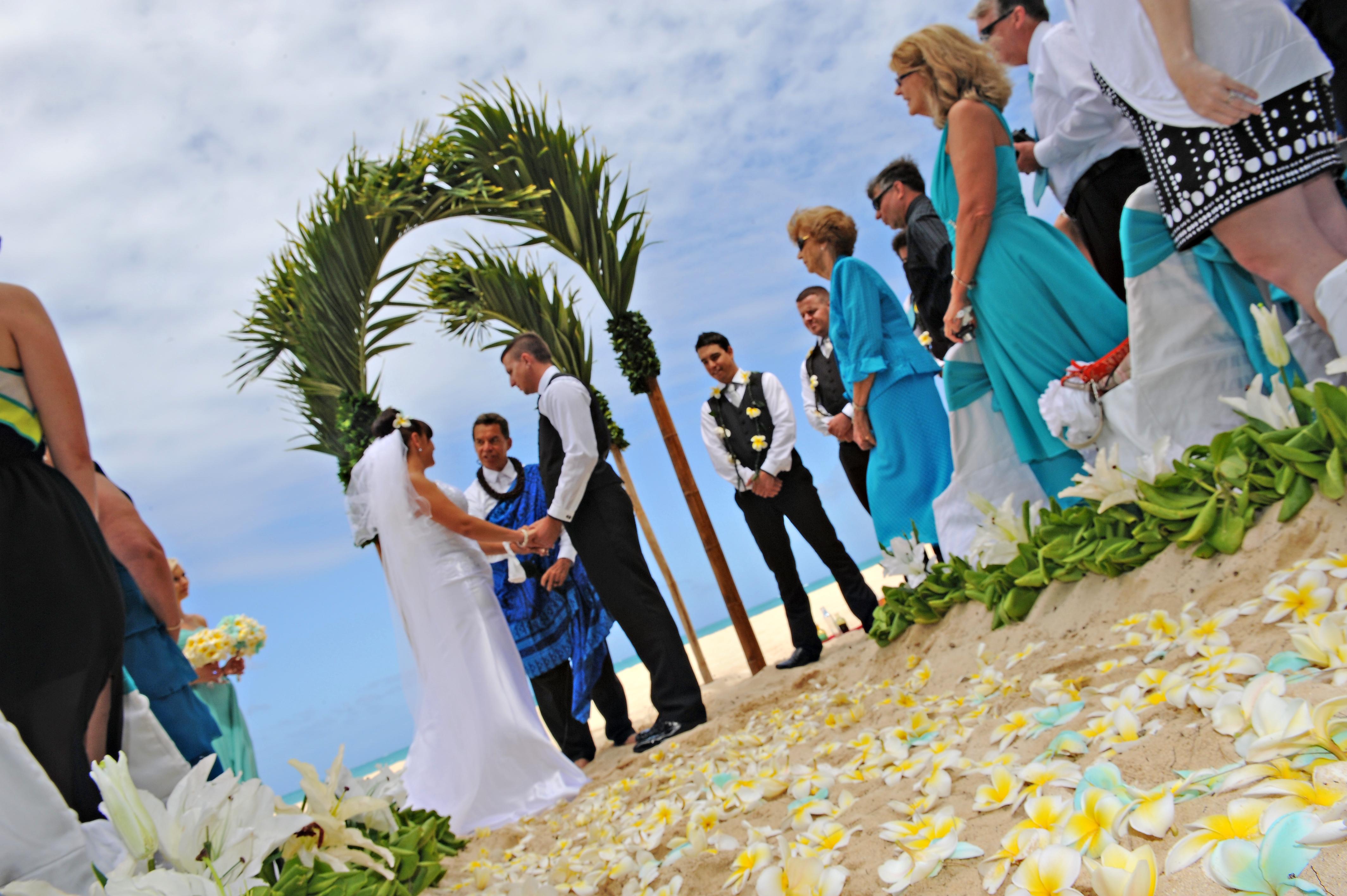 Alohaislandweddings.com- Hawaiian wedding in hawaii-66