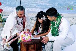 Beach wedding in Kailua-111