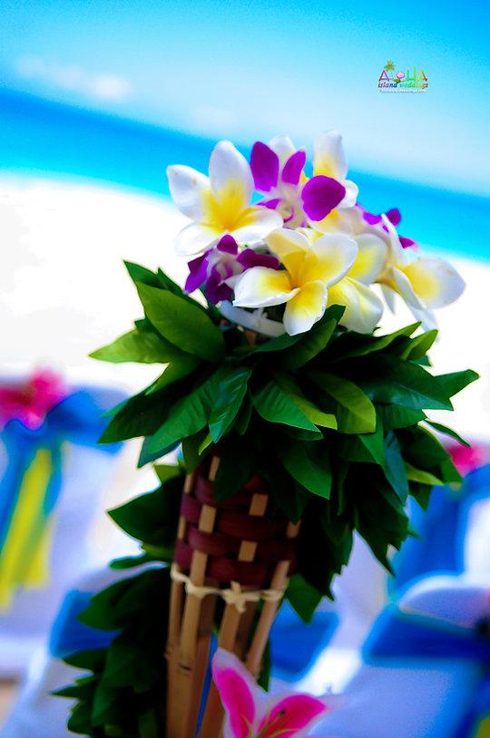Hawaiian tiki torch.jpg