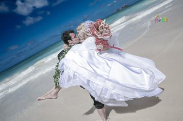 H&T-waimanalo-beach-weddings-1-57.jpg