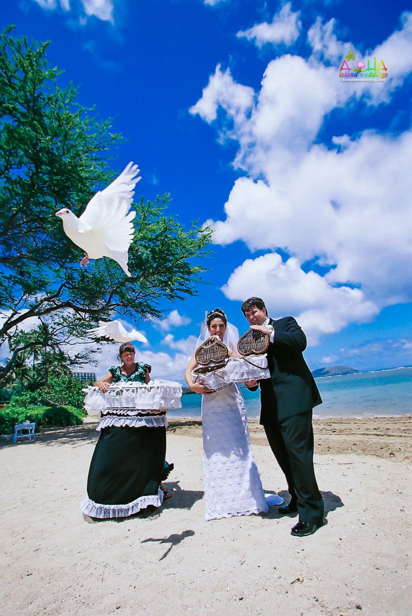 Dove Release wedding ceremony in Hawaii-2