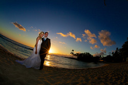 Sunset wedding photos in Hawaii 10