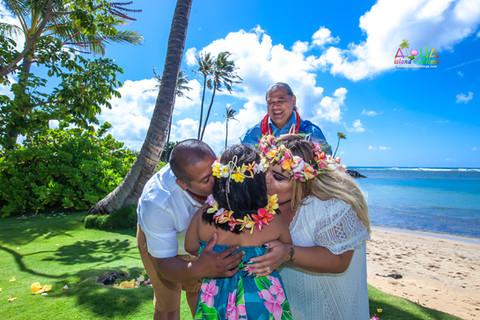 Kahala-beach-in-Hawaii-wedding-1-A-172.jpg