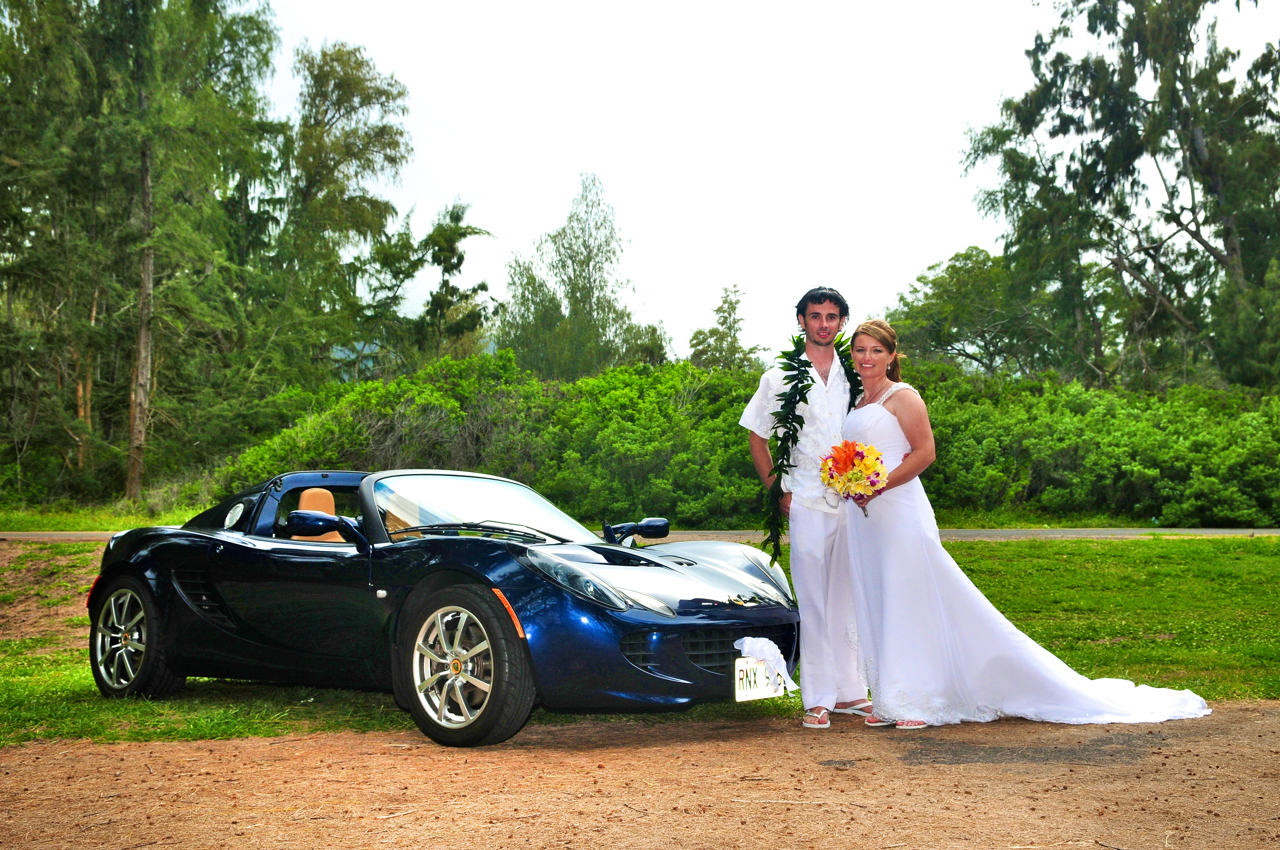 alohaislandweddings- Lotus car -24