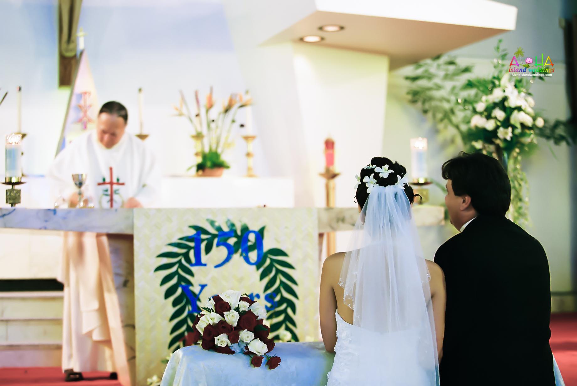 Hawaiian Church Wedding on Oahu-3