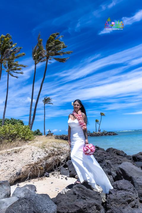 Wedding-Picture-at-Kahala-Beach-1A-393.jpg