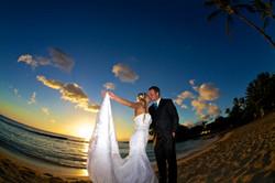 Sunset wedding photos in Hawaii 5