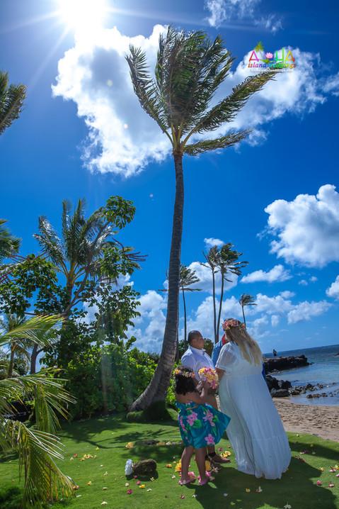 Kahala-beach-in-Hawaii-wedding-1-A-154.jpg