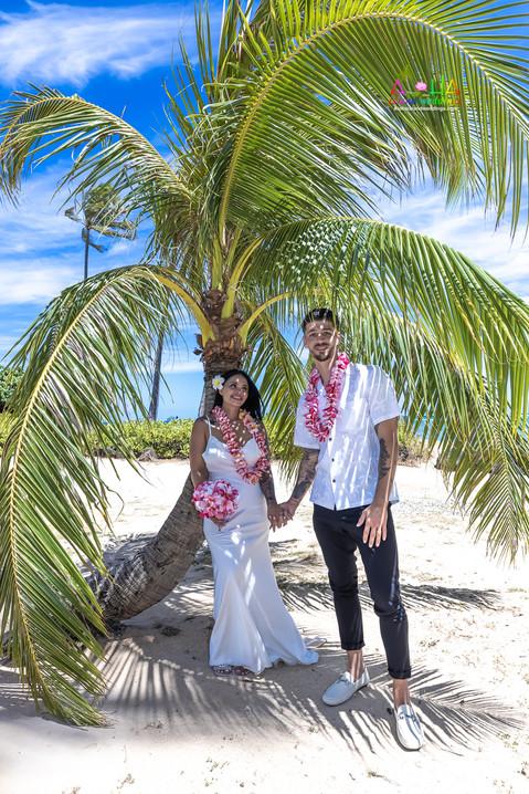 Wedding-Picture-at-Kahala-Beach-1A-459.jpg