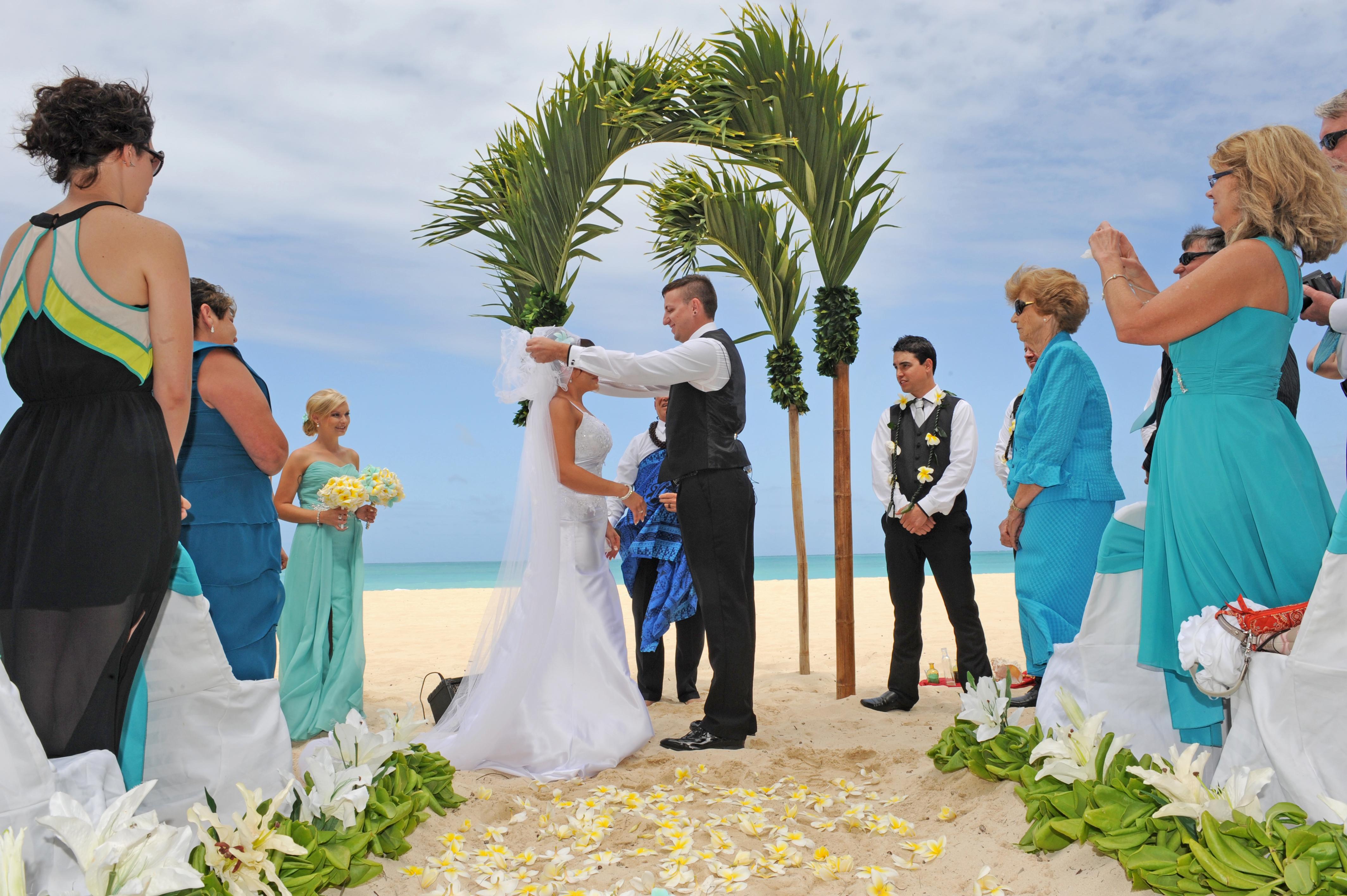 Alohaislandweddings.com- Hawaiian wedding in hawaii-65