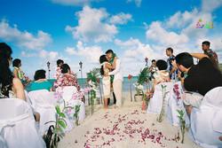 Beach wedding in Kailua-29