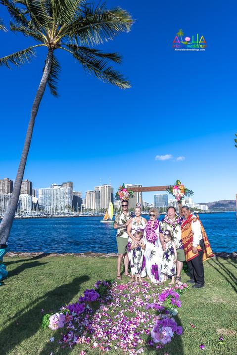 Vowrenewal-magicIsland-Hawaii-4-18.jpg