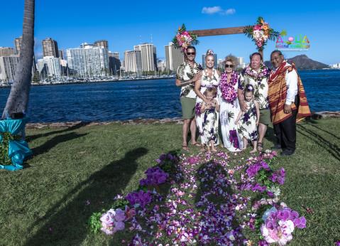 Vowrenewal-magicIsland-Hawaii-4-17.jpg