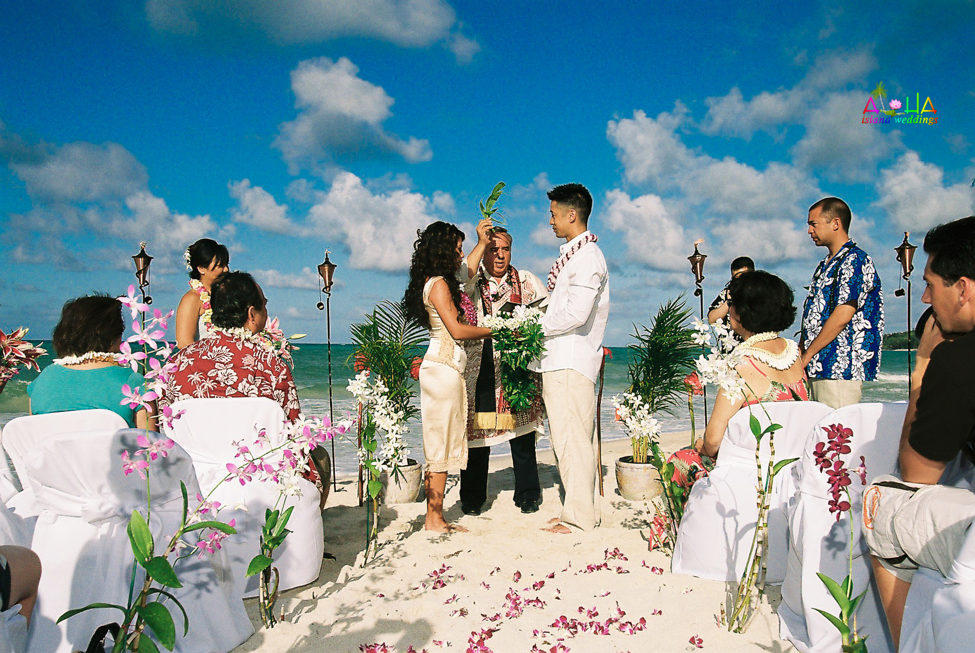 Beach wedding in Kailua-36